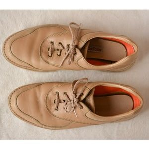Rocsports Tan Leather Lace Up Vibram Sneaker